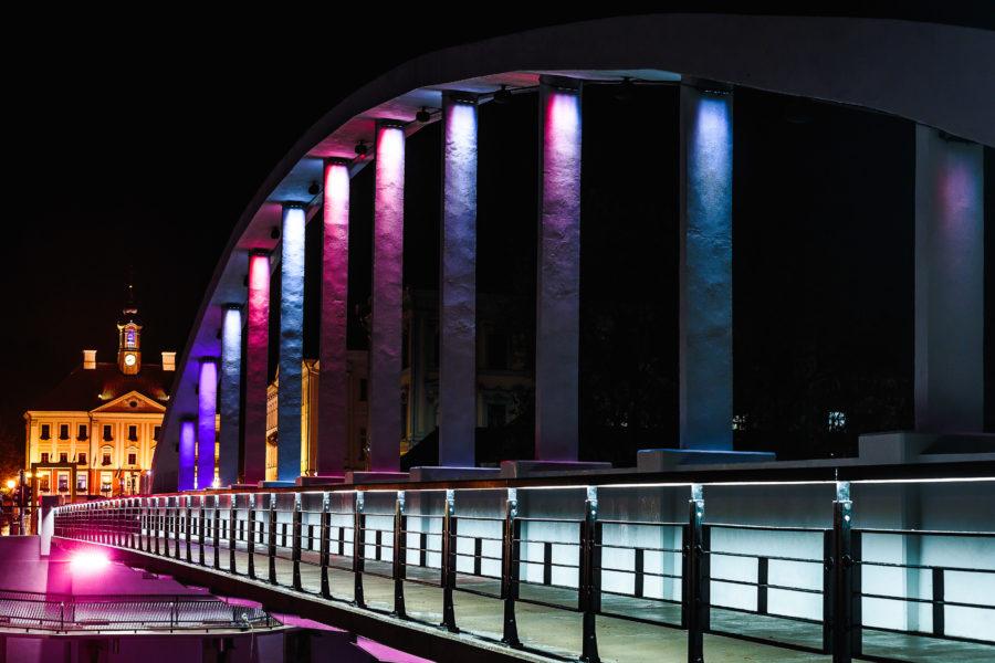 EKA Uusmeedia osakonna teos Tartu Kaarsillal on Eesti suurim heli- ja valgusinstallatsioon