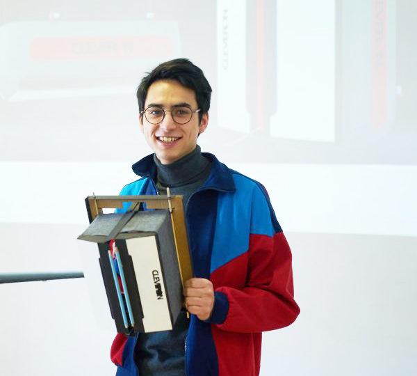 EKA tootedisainiosakonna üliõpilane Julien Hac. Foto: Liina Lelov